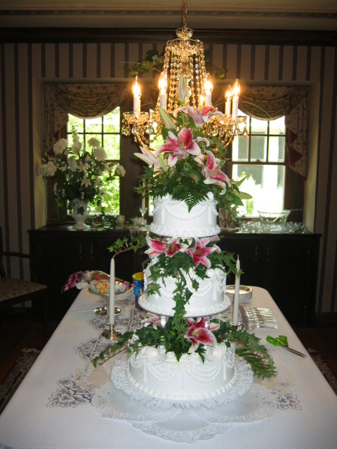 pictures of wedding cakes with flowers. We have a full line of